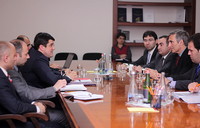 Премьер-министр принял депутатов Европарламента и парламента Испании