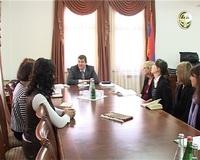 Премьер-министр принял группу армянских благотворителей из Диаспоры