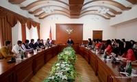 Премьер-министр представил студентам нынешние тенденции в экономике