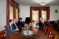 Премьер-министр Ара Арутюнян принял Армена Ашотяна