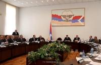 Премьер разъяснил вопросы относительно процесса  государственных выплат