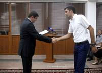 Ара Арутюнян вручил  сертификаты выпускникам курсов английского языка