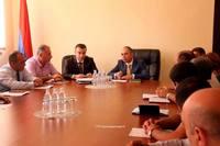 Министр-руководитель аппарата правительства Республики Арцах Левон Григорян провел рабочее совещание