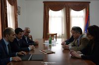 Араик Арутюнян принял делегацию армянского съезда Америки