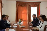 Араик Арутюнян принял представителей фонда Дети Армении