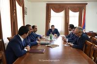 Араик Арутюнян принял делегацию фонда развития Армении