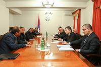 Государственный министр принял группу предпринимателей, занимающихся деревообрабатывающим  производством