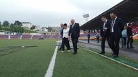Посещение центрального стадиона Степанакерта
