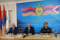 Президент Саакян утвердил решения, подписал указы, посетил Полицию и ГСЧС Республики Арцах