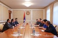 Президент провел встречу с делегацией, возглавляемой вице-премьером РА Тиграном Авиняном