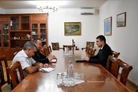 Государственный министр принял главу миссии Международного комитета Красного Креста в Арцахе