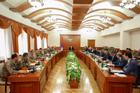 Meeting with the participation of the senior officers' staff of the Defense Army and territorial administration bodies of the republic