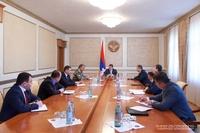 Президент Арутюнян провел совещание, посвященное предстоящим работам по сбору урожая