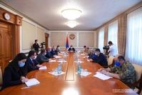 Президент провел совещание по вопросам жилищного обеспечения офицеров Армии обороны