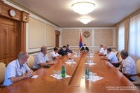 Араик Арутюнян принял группу офицеров запаса