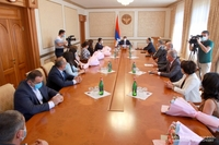 President Harutyunyan handed in valuable gifts to the employees of the Cadastre and State Property Management Committee