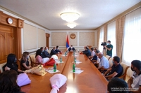 President Harutyunyan handed in awards to a group of construction sphere representatives