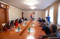 The building of the Stepanakert State Dramatic Theater after Vahram Papazyan will be reconstructed. President Harutyunyan met the collective of the Theatre