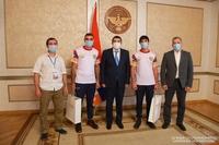 Президент Арутюнян принял рекордсменов мира братьев Юрия и Артура Сакунц