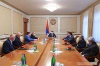 Президент Арутюнян присвоил почетные звания группе представителей сферы спорта