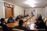 """Араик Арутюнян провел совещание, посвященное проекту закона """"О государственном бюджете Республики Арцах на 2021 год"""""""