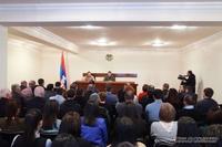Президент Араик Арутюнян встретился с сотрудниками Министерства экономики и сельского хозяйства республики