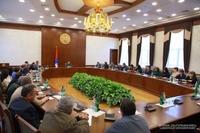 Президент Араик Арутюнян встретился с сотрудниками Министерства труда, по социальным и миграционным вопросам