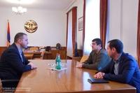 Президент Араик Арутюнян принял министра экономики РА Ваана Керобяна