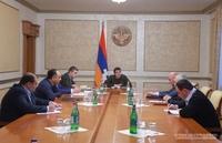 Президент Араик Арутюнян провел совещание по вопросам жилищного строительства