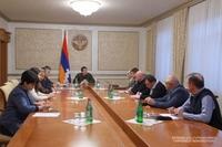 У президента Арутюняна обсуждены вопросы обеспечения новых условий в зданиях ряда объектов здравоохранения