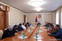 У Президента были обсуждены вопросы временного расселения жителей оккупированных сел Аскеранского района
