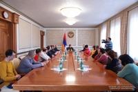 Արցախի նախագահը հանդիպել է Շուշի քաղաքի մի խումբ տնտեսվարողների հետ