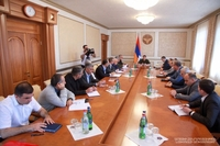 President of the Artsakh Republic Arayik Harutyunyan convened a consultation on developing a program to assist those damaged by the war