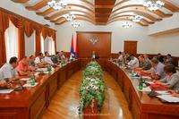 У государственного министра была обсуждена программа государственной финансовой помощи, направленная  на погашение кредитных задолженностей