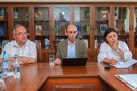 Государственный министр обсудил программы развития науки в научном центре Арцаха