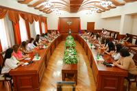 Государственный министр встретился с социальными работниками