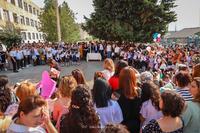 Դպրոցը Հայրենիքի հանդեպ ծառայության սկիզբն է ու դպրանոցը. Արտակ Բեգլարյանը շնորհավորել է գիտելիքի ու դպրության օրը
