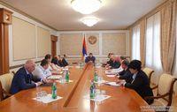 президент Республики Арцах Араик Арутюнян провел расширенное рабочее совещание, посвященное организации подготовки к зимнему сезону.